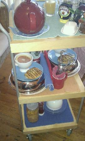 Heatherbell Cottage: Breakfast trolley served in your room!