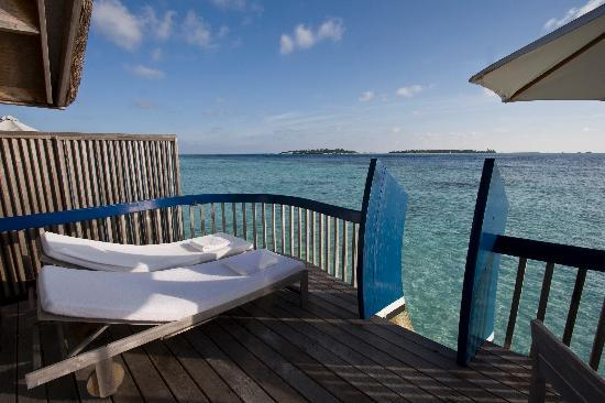 COMO Cocoa Island: Our deck - Room 827