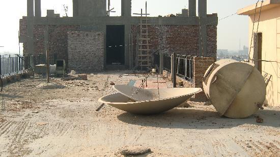 Tutotel Hotel: Bomb site