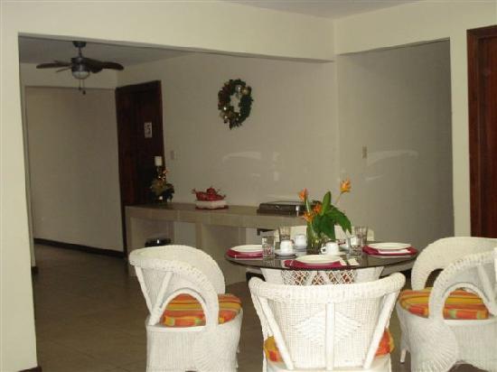 Hotel Maracas Inn: Desayunador 2