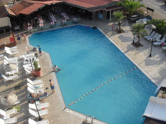 Club Alpina Apartments Hotel: Fantastic pool, plus separate kids pool, most hotels in the area had only a tiny pool
