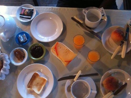Hotel Dollar: el desayuno! muy bueno