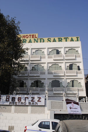 Grand Sartaj Hotel