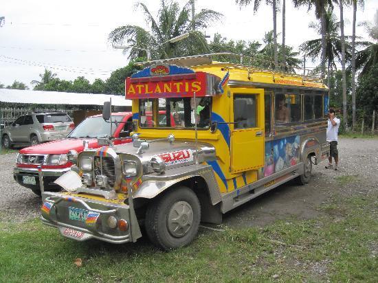 Atlantis Dive Resorts Dumaguete: Hotel's air conditioned bus