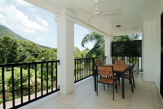 Elysium Apartments: 2 Bedroom Apartment mountain view balcony