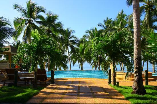 Anda White Beach Resort: First view upon entering