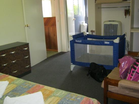 Bronco Motor Inn: 2 bedroom family unit