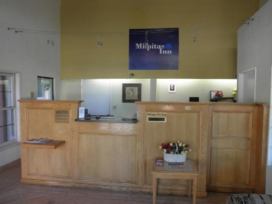 Milpitas Inn: Hotel Lobby