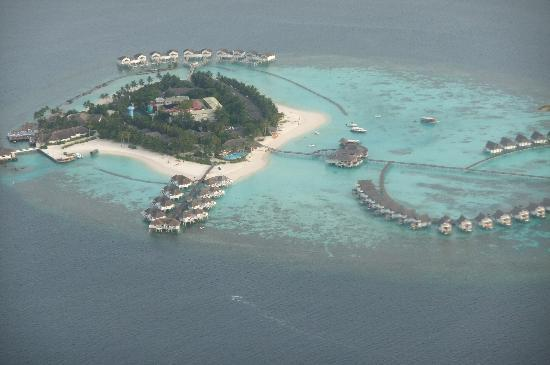 Centara Grand Island Resort & Spa Maldives: Island View from the Sea Plane