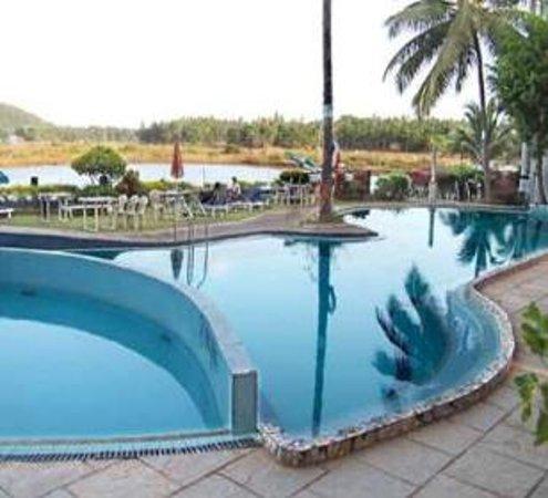 Maizons Lake View Resorts