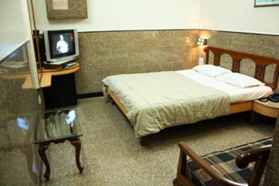 Photo of Hotel Royal Castle Mumbai (Bombay)
