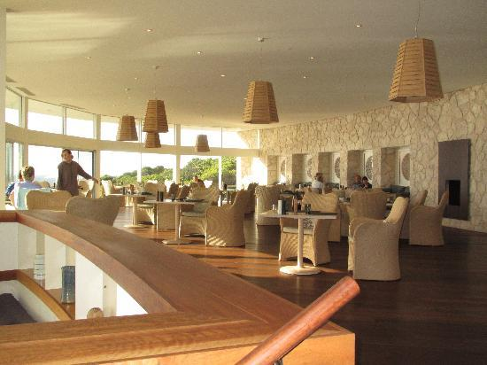 Southern Ocean Lodge: The restaurant area