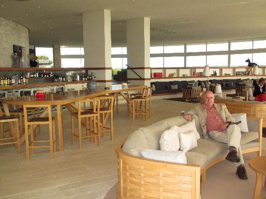 Southern Ocean Lodge: open bar