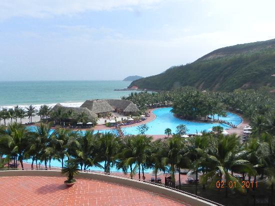 Vinpearl Nha Trang Resort: the pool