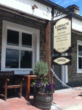 Luggate Hotel
