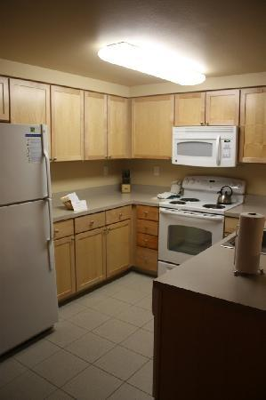 WorldMark Anaheim: The Kitchen