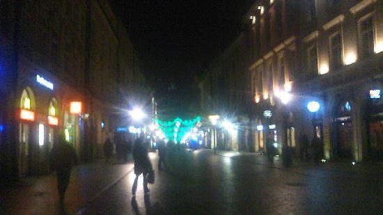 Ulica Florianska: 連続するイルミネーション