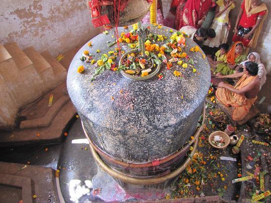 Balasore, India: The Shiva-linga at Bhushandeshwara Temple