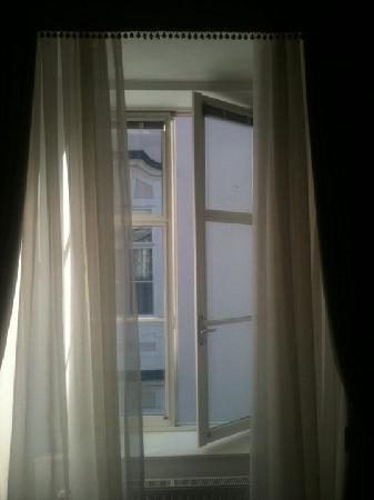 Antiq Palace Hotel & Spa: Window in room.