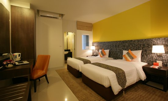 Legacy Express Sukhumvit by Compass Hospitality : Superior Twin Bedroom