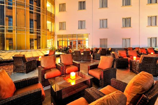 Four Points by Sheraton Lagos: The Office Bar