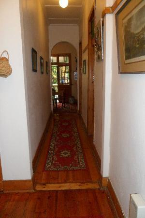 Botany Bay Lodge: The corridor