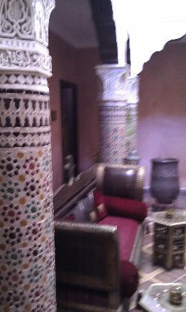 Riad Mille et une Nuits: The courtyard of the riad