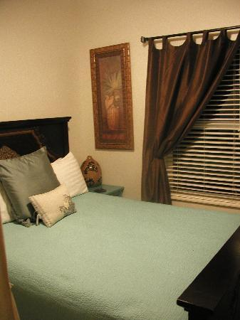 Paia Inn: One of the Bedroom