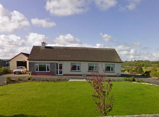 Woodlands Bed & Breakfast: Woodlands B&B: Home from home. Wonderful warm Irish hospitality set in Galway near the Burren, K