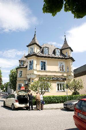 Hotel Laimer Hof: Hotel im Sommer