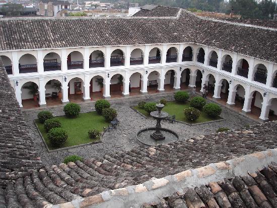 Popayan, Colombia: chiostro del monastero