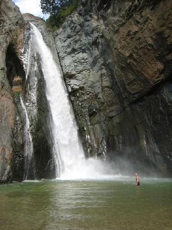 Santiago de los Caballeros, Dominican Republic: cascata di jarabacoa