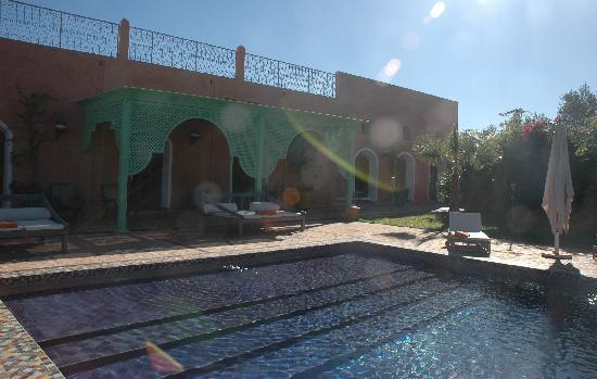 Jereca Farm : The inviting pool - even in December!
