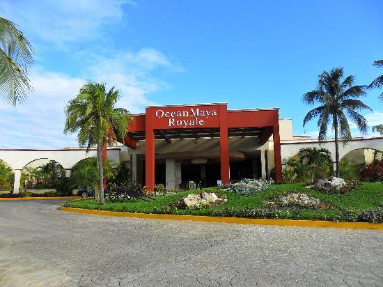 Ocean Maya Royale: Entrée de l'hôtel