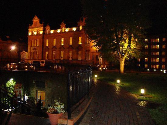Clayton Hotel Ballsbridge: Bewley's Ballsbridge
