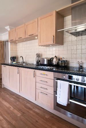 Your Space Cambridge Apartments Manor House: Fully equipped state of the art kitchens