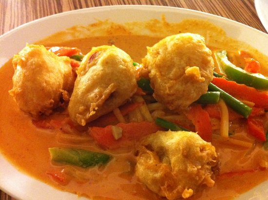 ... Noodle: Pork Dumpling Red Curry (pineapple curry sauce with