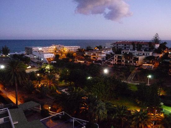Hotel Folias: Night view