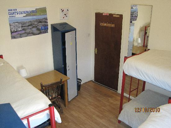 Lagan Backpackers: 6 Bed female dorm