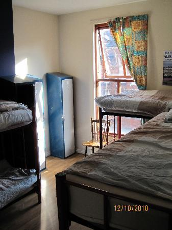 Lagan Backpackers: 6Bed mixed dorm