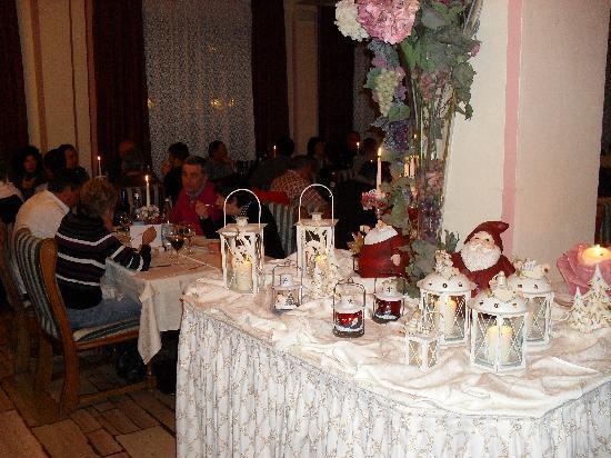 Alleghe, Italie : il salone ristorante