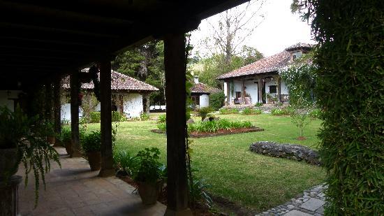 Parador San Juan de Dios: il tranquillo e curatissimo giardino