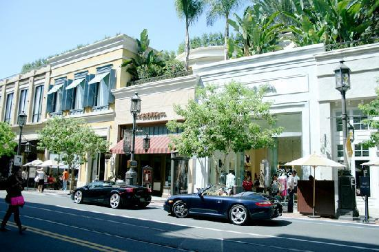 The Americana at Brand: Branded shops and cafes.