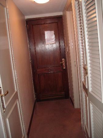 Liberty Hotel: Entrada de la habitación