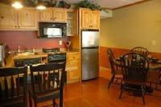 Mountain Village Inn Condominiums: Fully equipped kitchen