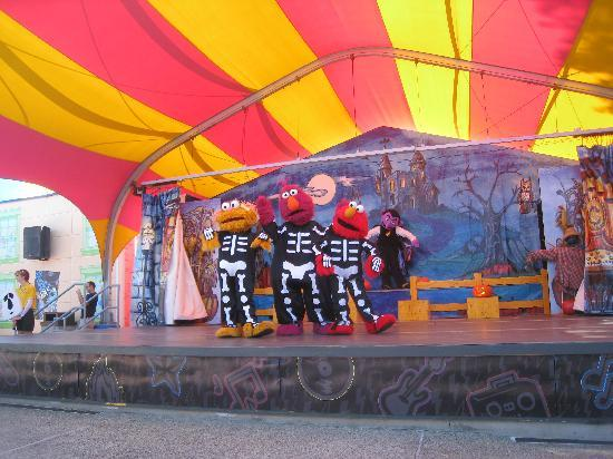 Sesame Place: halloween show