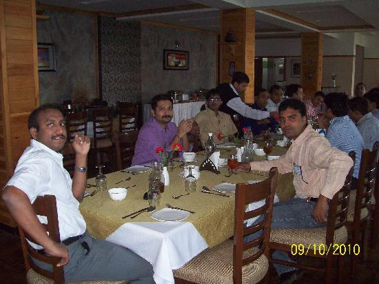 Pine Drive Resort: Group Lunch