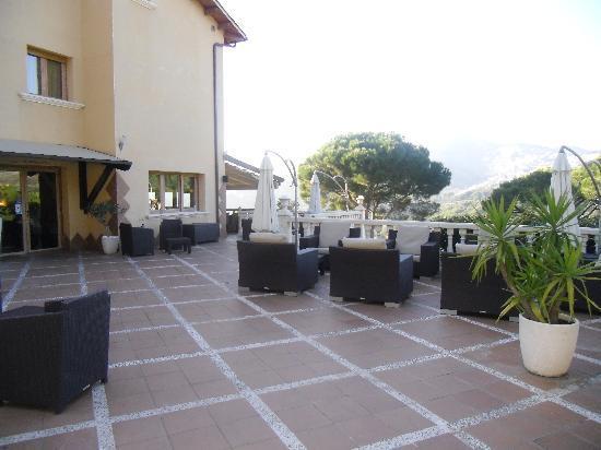 Hotel Porta d'Alella: Terraza