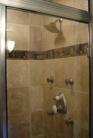 Alaska Sundance Retreat Bed and Breakfast, LLC: Spa Quality Steam Showers