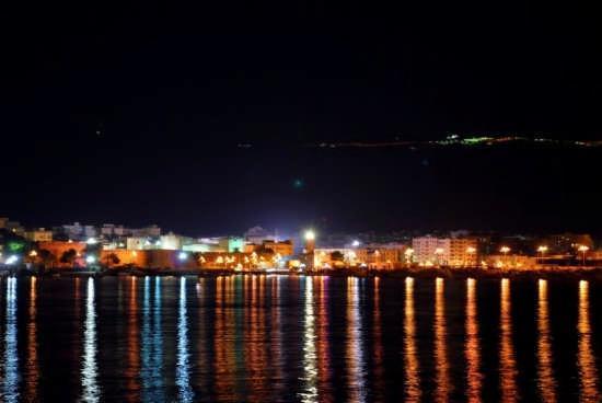 Manfredonia, İtalya: porto di notte